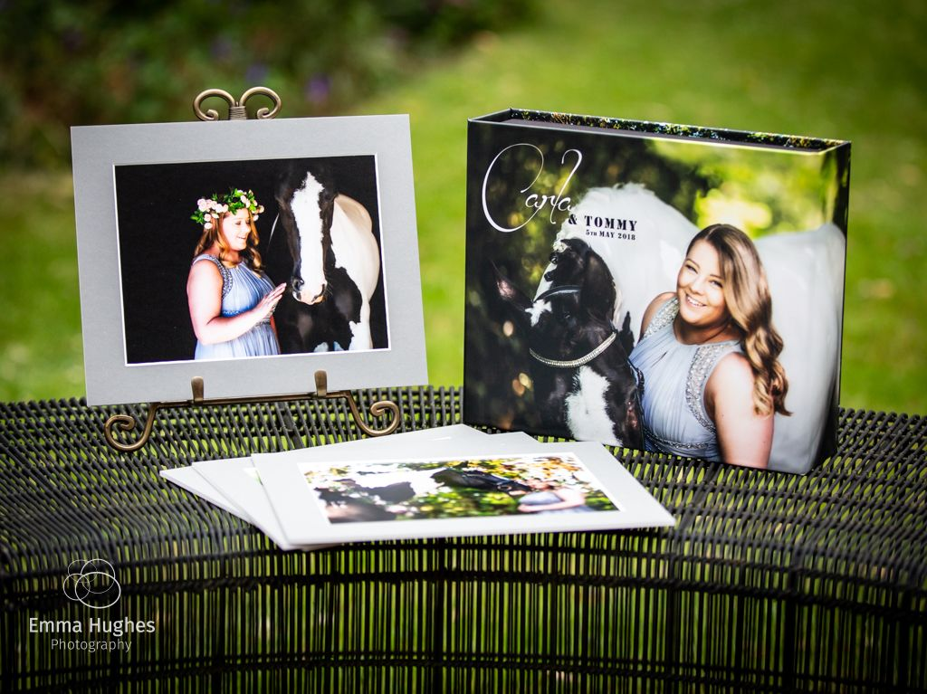Printed portrait box with easel and card mounted prints